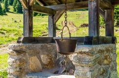Topf Polenta Gebirgssymbol und Tiroler Südtradition Süd-Tirol, Trentino Alto Adige, Bozen, Italien Stockbild