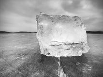 Topić kawałki siekający lodowi bloki Silny kolorowy backlight Zdjęcie Stock