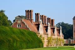 Topiary och Blickling Hall, Aylsham, Norfolk Royaltyfria Bilder