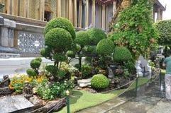 Topiary tuin door Paleis in Bangkok, Thailand Stock Afbeeldingen