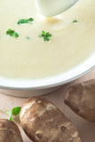 Topinambur-Suppe Lizenzfreie Stockfotos
