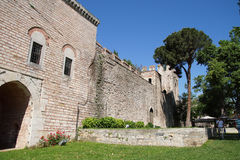 Topkapi宫殿外墙和塔  库存图片