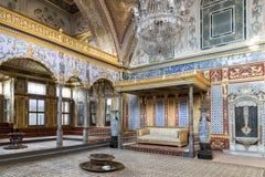 Topkapi宫殿闺房部分的,伊斯坦布尔,土耳其王位室 免版税库存照片