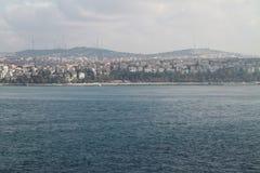 从Topkapi宫殿,伊斯坦布尔,土耳其的伊斯坦布尔和海视图 免版税库存照片
