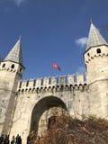 Topkapi pałac z niebieskim niebem Istanbuł obrazy stock
