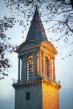 Topkapi slotttorn i afton, Istanbul, Turkiet - December 2014 royaltyfria bilder