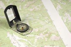Topo-översikt och kompass Royaltyfri Bild
