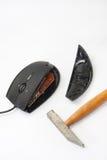 Topo del computer fracassato con il martello Fotografia Stock Libera da Diritti