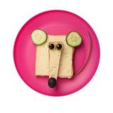 Topo divertente fatto di pane e di formaggio Fotografie Stock Libere da Diritti