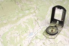 Topo-Karte und Kompaß Stockbild