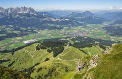 Toppanorama van Kitzbuhel-piek, Tirol, Oostenrijk royalty-vrije stock afbeeldingen