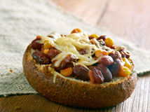 Toppen Chorizo Chili Bowls royaltyfri foto