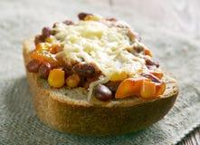 Toppen Chorizo Chili Bowls royaltyfria bilder