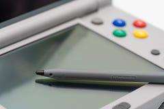 Toppen Famicom för Nintendo 3DS LL nål upplaga Portablelek vid N Arkivbild