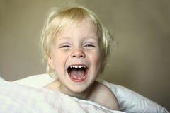 Toppen lycklig pojke Royaltyfria Bilder