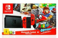 Toppen Mario Odyssey Bundle Set ask vid den Nintendo strömbrytaren Arkivfoto