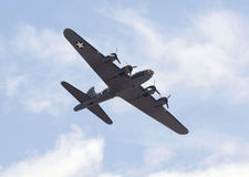 TOPPEN STO FÖR WESTON, UK - JUNI 21: Boeing B-17G flygfästning arkivfoto