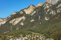 Toppen van de Alpen - bekijk van de stad van Chur in Zwitserland stock foto's