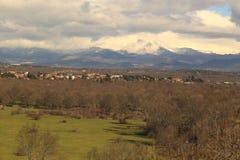 Toppig bergskedja de Gredos landskap Royaltyfria Bilder