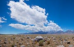 Toppig bergskedja Nevadas berg Royaltyfri Foto