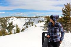 Toppig bergskedja på Tahoe sjukt glesbygdsområde som ser in mot Lake Tahoe Kalifornien Royaltyfri Bild
