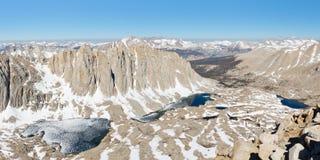 Toppig bergskedjaNevada landskap Royaltyfri Bild