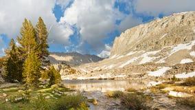 Toppig bergskedjaNevada landskap för Lake Arkivbild