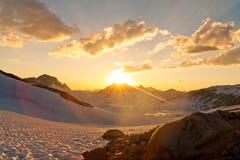 Toppig bergskedjaNevada solnedgång Arkivfoton
