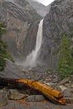 toppled основанием водопад вала стоковая фотография