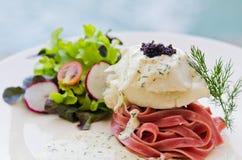 toppning för steak för kaviarfisksnow Royaltyfria Foton