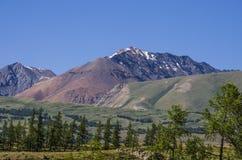 tops de nieve de montañas Imagenes de archivo