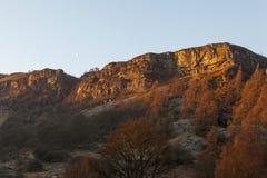 Tops del acantilado cerca de Pistyll Rhaeadr Fotografía de archivo libre de regalías