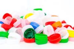 Tops plásticos coloridos de la botella Imagen de archivo libre de regalías