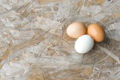 Topview τρία αυγά σε ένα πιάτο Στοκ Εικόνες