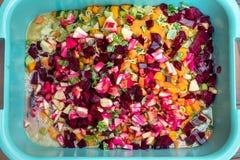 Topview, ton met groenten en verse vruchten voor het koken vegeta royalty-vrije stock afbeelding