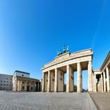 Tor de Brandenburger de la puerta de Brandeburgo en Berlín, Alemania, en un Br Fotos de archivo libres de regalías