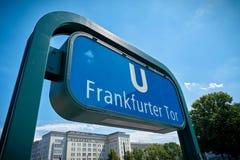 Tor della salsiccia di Francoforte della stazione della metropolitana a Berlino Fotografie Stock