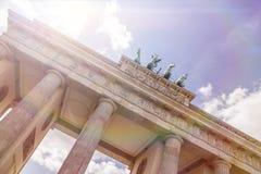Tor und Sonnenlicht Brandenburger Stockbild