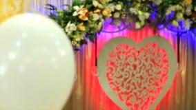 Tor verzierte Hochzeit mit Ballonen stock video