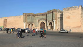 Tor zum Medina in Meknes, Marokko stock video footage