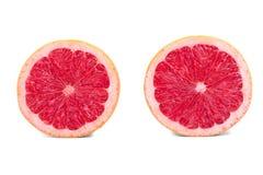 Toranjas frescas, isoladas em um fundo branco Duas metades da toranja suculenta e orgânica Alimento saudável Laranjas frescas da  Fotografia de Stock