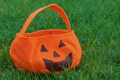 Torba dla zbierackich cukierków na Halloween obraz stock