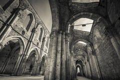 Torbogen der unfertigen Abtei von San Galagano Stockfoto
