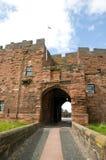 Torbogen zum Schloss Stockbilder