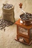 torby fasoli kawowy ostrzarz Obraz Stock