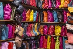Torby, kiesy, kapelusze i inni produkty Marokańska skóra fa, Obraz Royalty Free