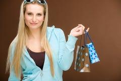 torby mody szczęśliwa zakupy kobieta Obrazy Royalty Free