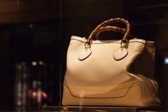 torby ręki kobieta Zdjęcia Royalty Free