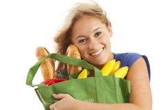 torby zielonego sklep spożywczy przetwarzający kobiety potomstwa zdjęcia royalty free