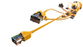Torcer los cables amarillos de Internet el ejemplo conceptual 3d del cable de Ethernet y rj-45 tapan Fotos de archivo